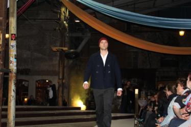 Leinenhemd, Cornelius Hose und Second Hand Jacke